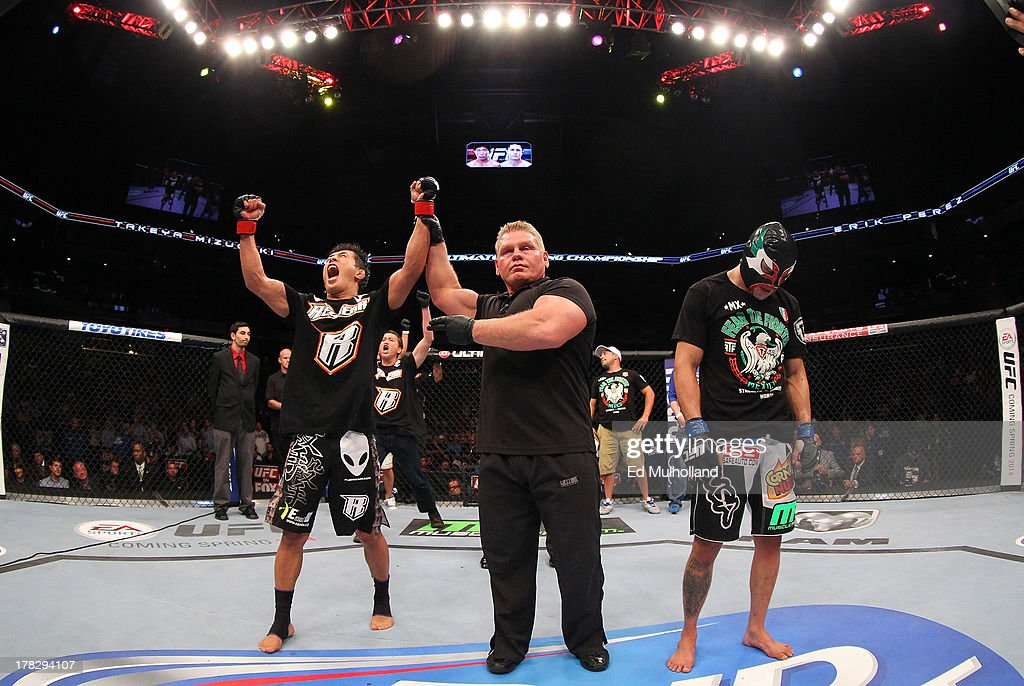 UFC on FOX Sports 1: Mizugaki v Perez : News Photo