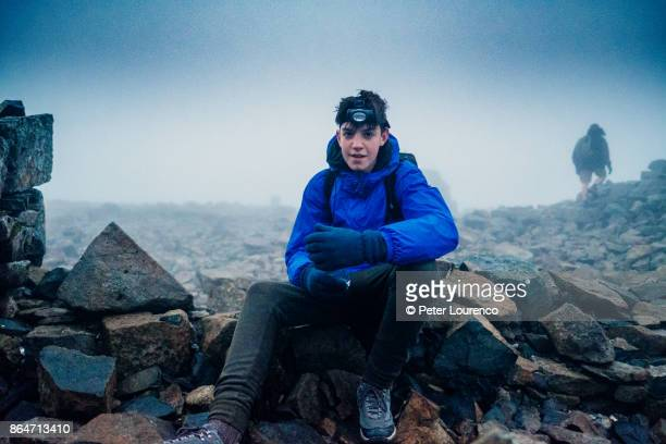 taking a break at the summit - peter lourenco stock pictures, royalty-free photos & images