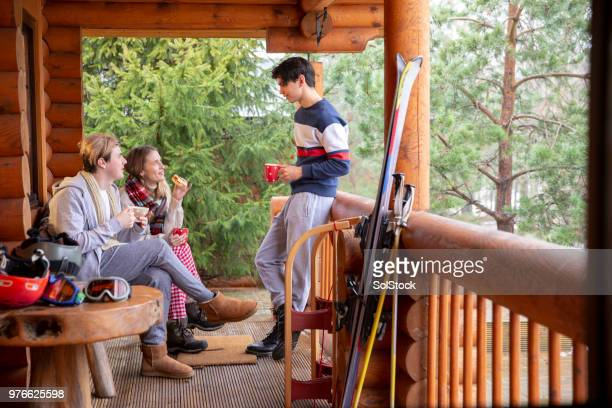 taking a break from skiing - ski resort stock pictures, royalty-free photos & images