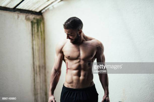 taking a break - abdominal muscle stock pictures, royalty-free photos & images