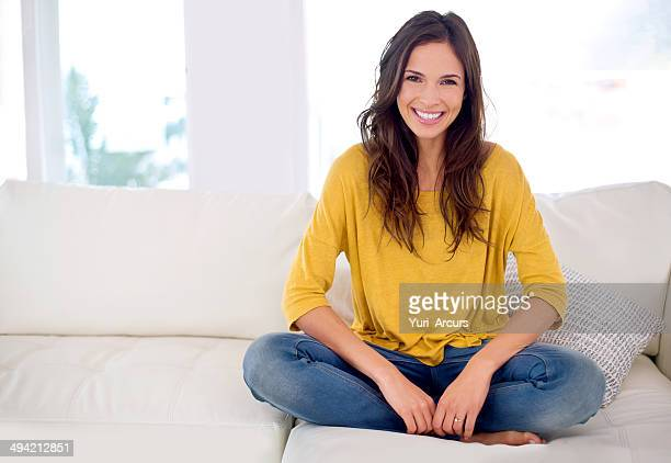 taking a load off this weekend - beautiful woman stockfoto's en -beelden