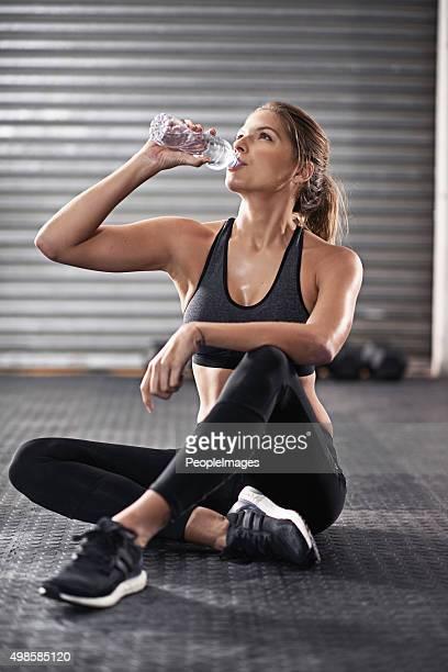 Prendendo un breve pausa acqua