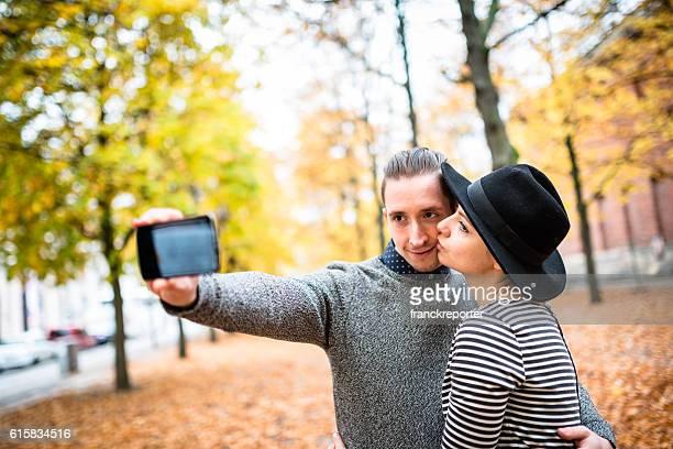 Sie ein selfie im Herbst park