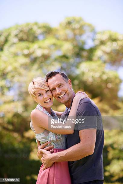 taking advantage of this beautiful weather - mid adult couple stock pictures, royalty-free photos & images