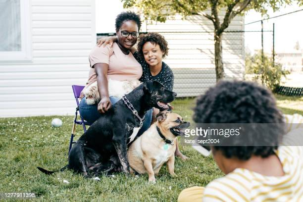 taking family photos - afro caribbean ethnicity stock pictures, royalty-free photos & images