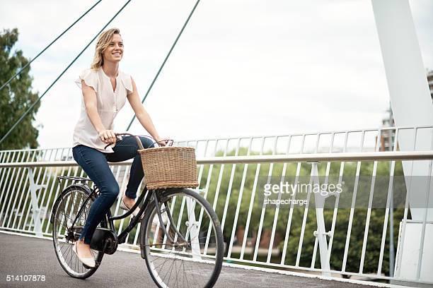 Découvrir les sites touristiques de la ville à vélo