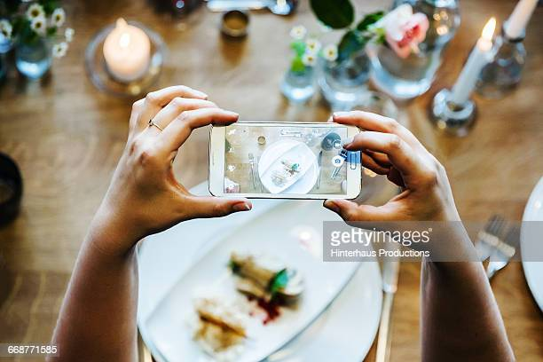 Taking pictures of dinner table with smart phone