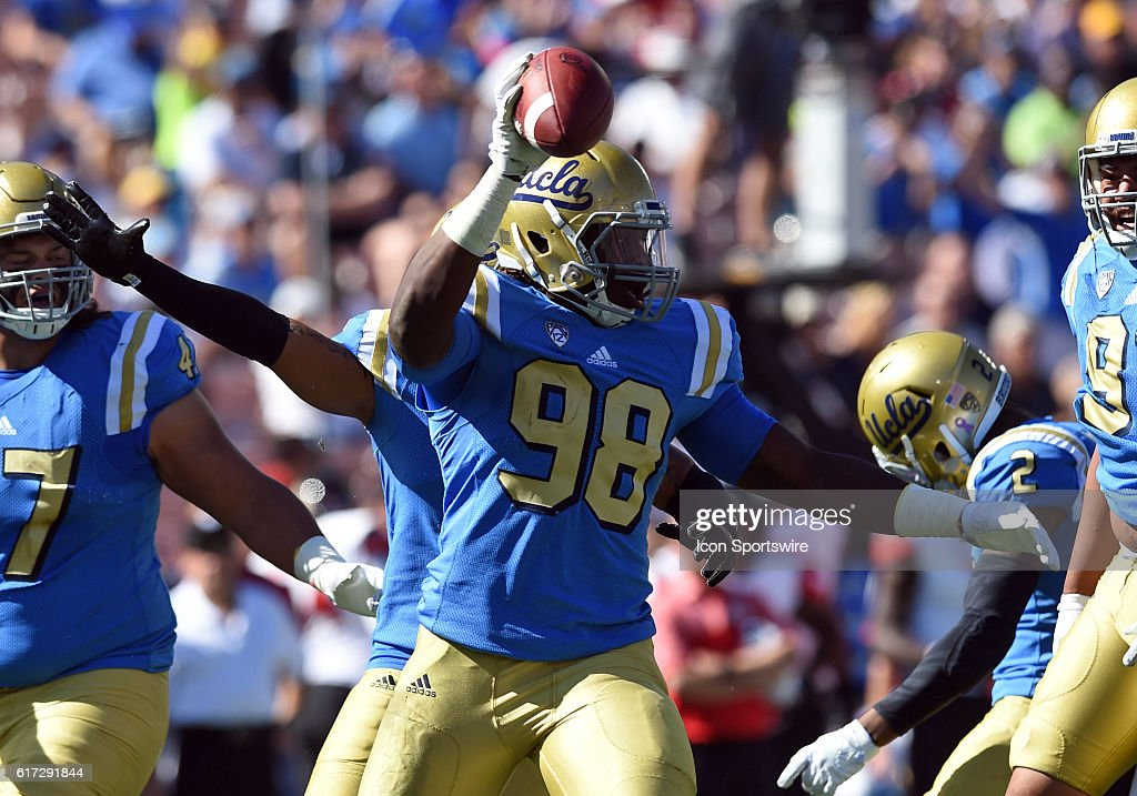 Takkarist McKinley (DL) celebrates after forcing and recovering a fumble for a turnover during an NCAA football game between the Utah Utes and the UCLA Bruins on October 22, 2016, at the Rose Bowl in Pasadena, CA.