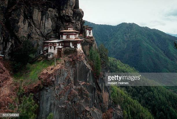 taktsang, bhutan - paro district stock pictures, royalty-free photos & images