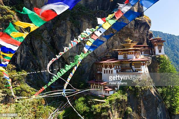 taktsang dzong or tiger's nest, bhutan - paro stock pictures, royalty-free photos & images