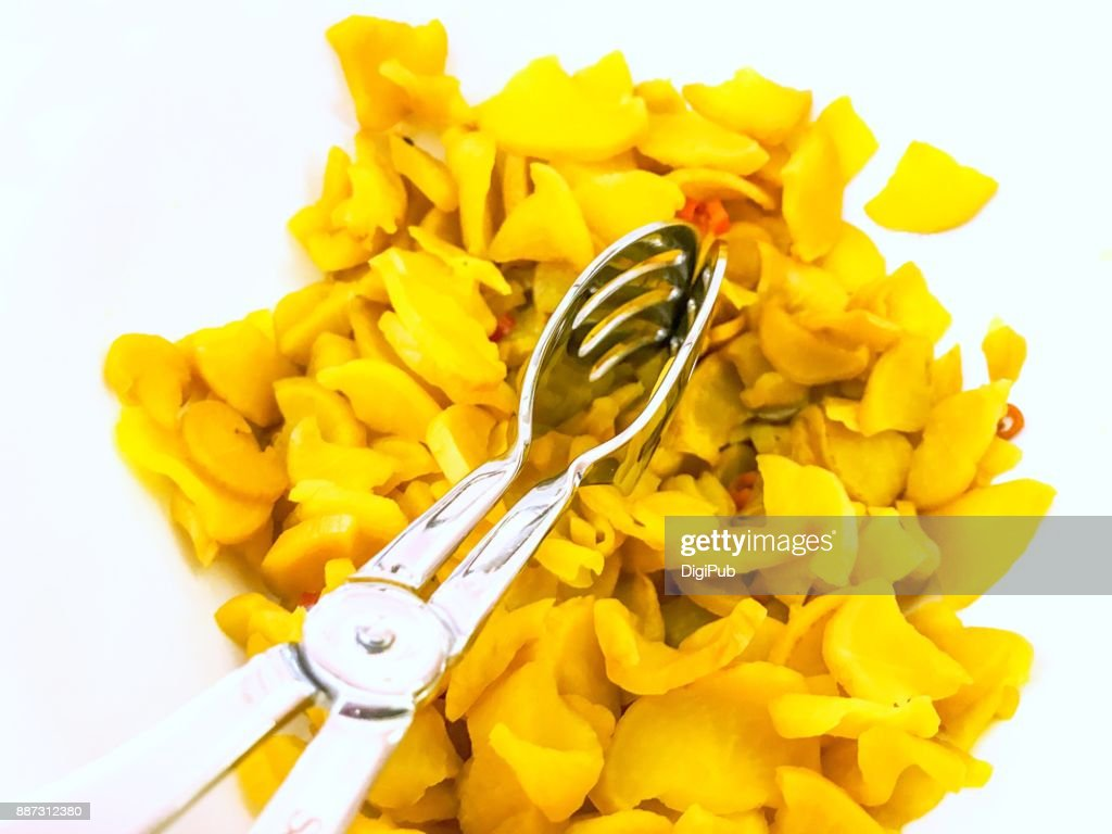 Takuan with serving utensils : Stock Photo