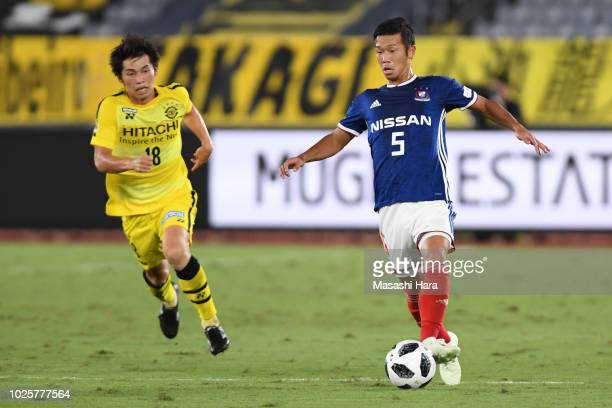 Takuya Kida of Yokohama FMarinos in action during the JLeague J1 match between Yokohama FMarinos and Kashiwa Reysol at Nissan Stadium on September 1...