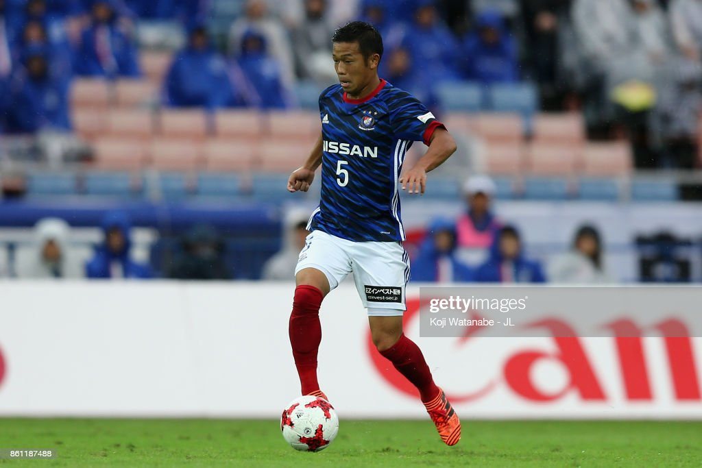 Takuya Kida of Yokohama F.Marinos in action during the J.League J1 match between Yokohama F.Marinos and Omiya Ardija at Nissan Stadium on October 14, 2017 in Yokohama, Kanagawa, Japan.