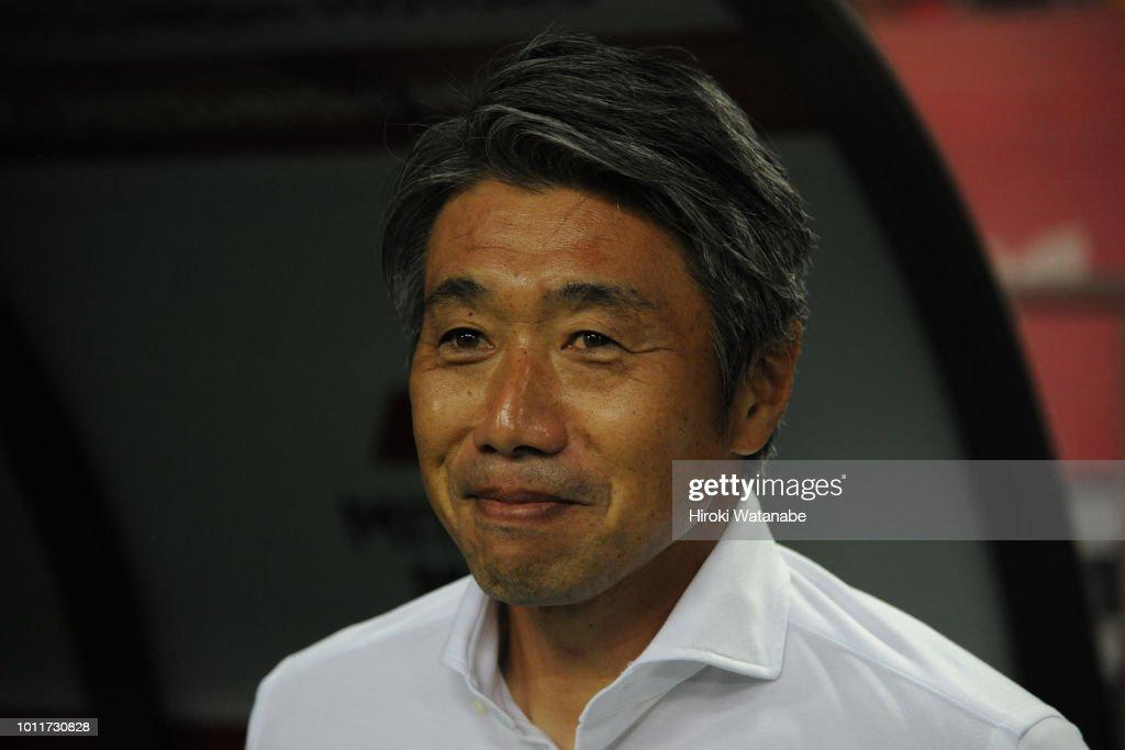 Urawa Red Diamonds v V-Varen Nagasaki - J.League J1 : ニュース写真