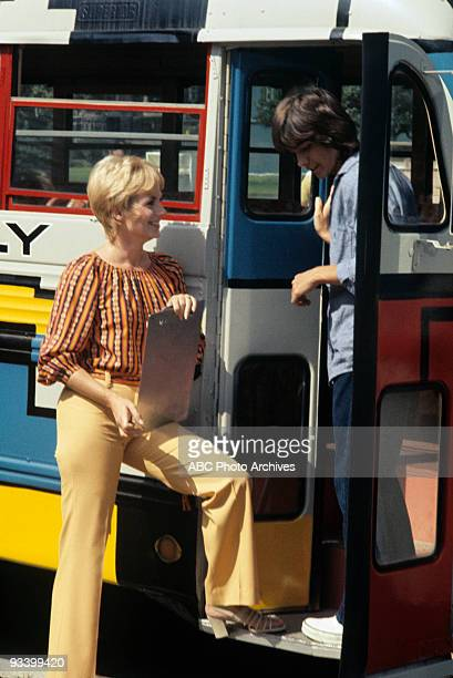 FAMILY 'Tale of Two Hamsters' 11/12/71 Shirley Jones David Cassidy