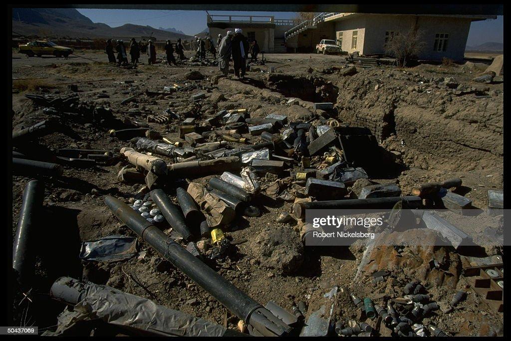Talibs at mil dump w. weaponry captured : News Photo