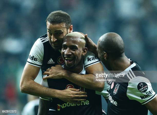 Talisca of Besiktas celebrates his goal with his teammates during the Turkish Spor Toto Super Lig football match between Besiktas and Akhisar...