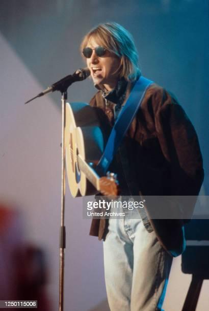 """Talk Talk TV-Auftritt 80er Jahre - Der britische Sänger und Frontmann der Popband """"Talk Talk"""" Mark Hollis."""