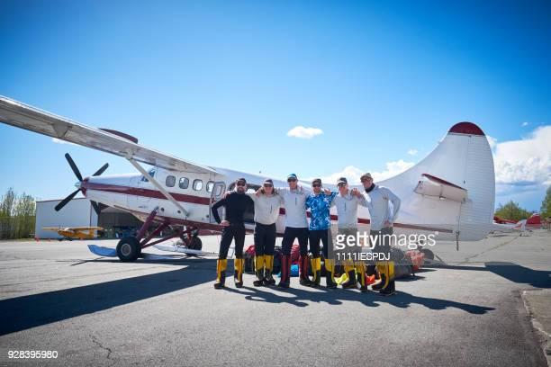 Talkeetna luchthaven, groep 6 bergbeklimmers zijn klaar voor Denali.