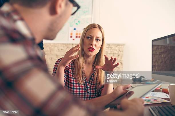 Hablando en la oficina