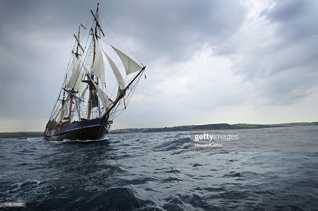 Tall ship sailing off the Cornwall Coast : Stock Photo