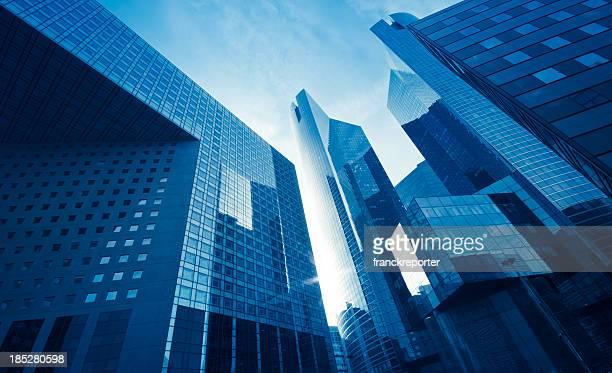 Hauts gratte-ciel de Vue en contre-plongée