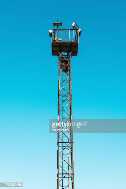 tall watchtower - lookout tower stock pictures, royalty-free photos & images
