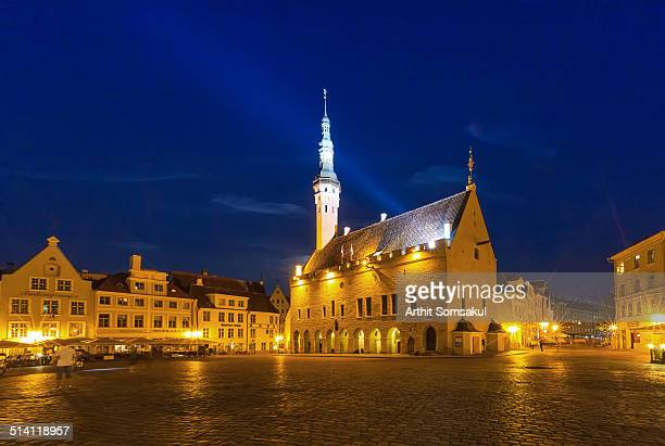 tallinn town hall, estonia - town hall square stock pictures, royalty-free photos & images
