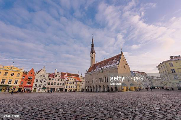 tallinn town hall square and old town district, tallinn, estonia - town hall square stock pictures, royalty-free photos & images