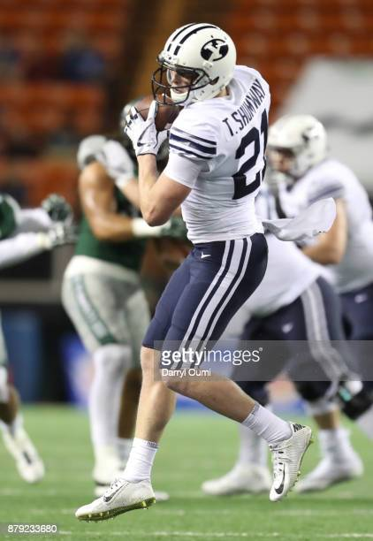 Talon Shumway of the BYU Cougars makes a catch during the second half itg against the Hawaii Rainbow Warriors at Aloha Stadium on November 25 2017 in...
