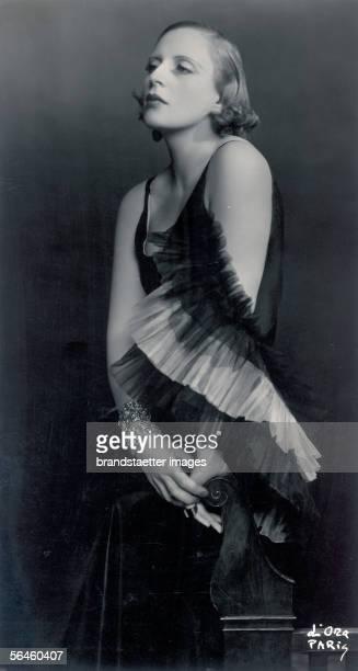 Tamara de Lempicka in a dress by Marcel Rochas Paris Photography by d'Ora around 1931 [Tamara de Lempicka in einem Kleid von Marcel Rochas Paris...