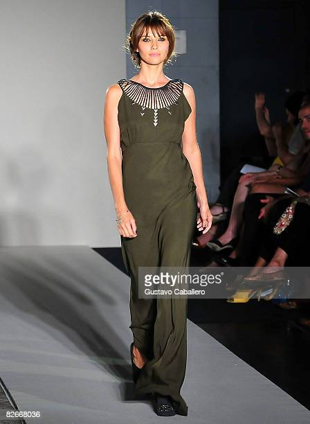 Tamara Feldman showcases a Vena Cava design on the catwalk at the Be Eco Chic group fashion show at the Milstein Hall of Oceans inside The American...