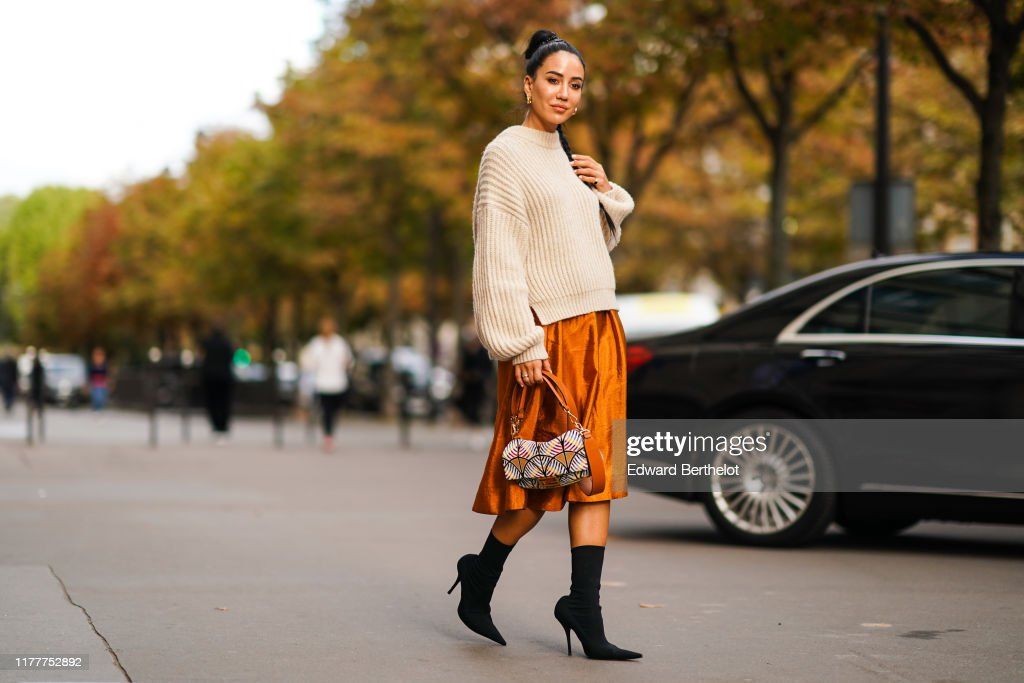 Street Style : Paris Fashion Week - Womenswear Spring Summer 2020 : Photo d'actualité