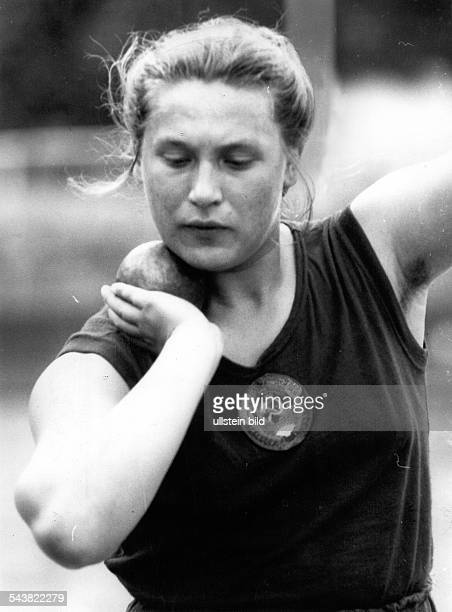 Tamara PRESS *1937 Soviet athlete of Ukrainian origin Portrait 1962