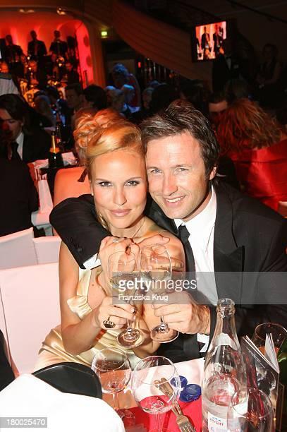 Tamara Sedmak Und Freund Norbert Dobeleit Beim 34 Deutschen Filmball Im Hotel Bayerischer Hof In München Am 200107