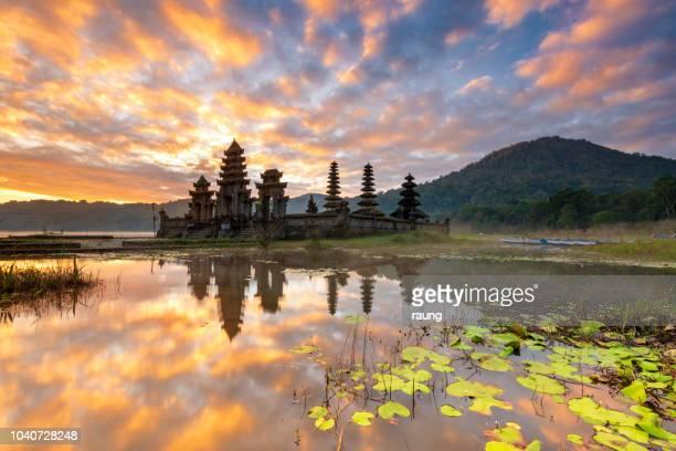 tamblingan lake sunrise - indonesia stock pictures, royalty-free photos & images