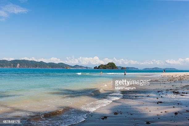 tambor, boat trip to the tortuga island - península de nicoya fotografías e imágenes de stock