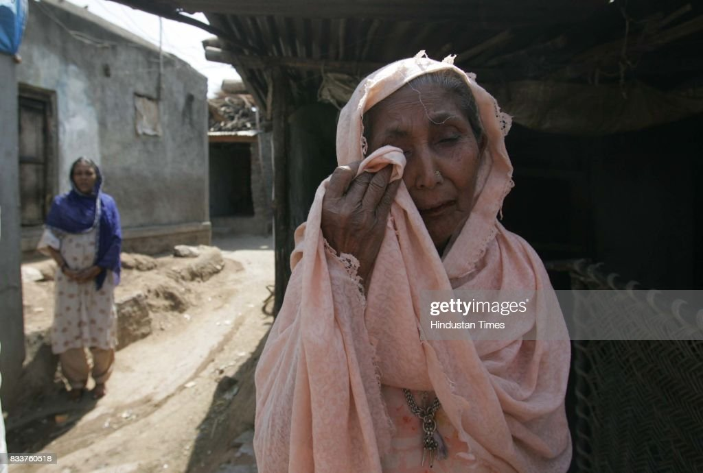 Tameezbi Shah 's five grandsons were arrested by the Chopada police in the aftermath of the Jalgaon clash. One of her grandson Jahangir Shah has lost his eyesight after a stone hit by rioting mob.