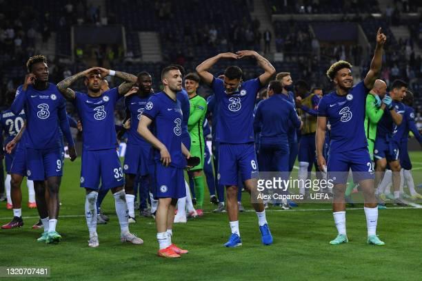 Tammy Abraham, Emerson Palmieri, Hakim Ziyech, Thiago Silva and Reece James of Chelsea celebrate winning the Champions League following the UEFA...