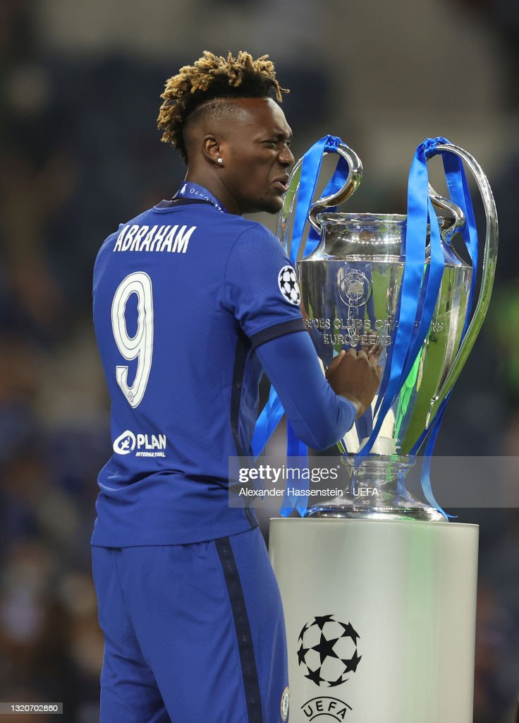 Tammy Abraham Of Chelsea Celebrates With The Champions League Trophy News Photo Getty Images