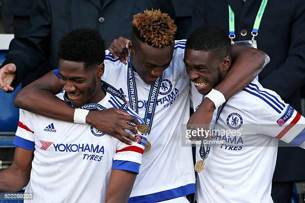 Tammy Abraham of Chelsea FC celebrates with teammates victory after the UEFA Youth League Final match between Paris Saint Germain and Chelsea FC at...