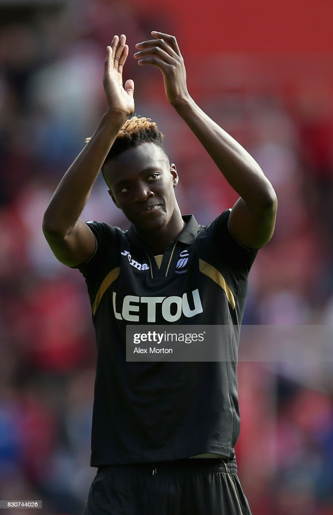 Tammy Abraham of SwanseaCity shows appreciation to the fans after the Premier League match between Southampton and Swansea City at St Mary's Stadium on August 12, 2017 in Southampton, England.