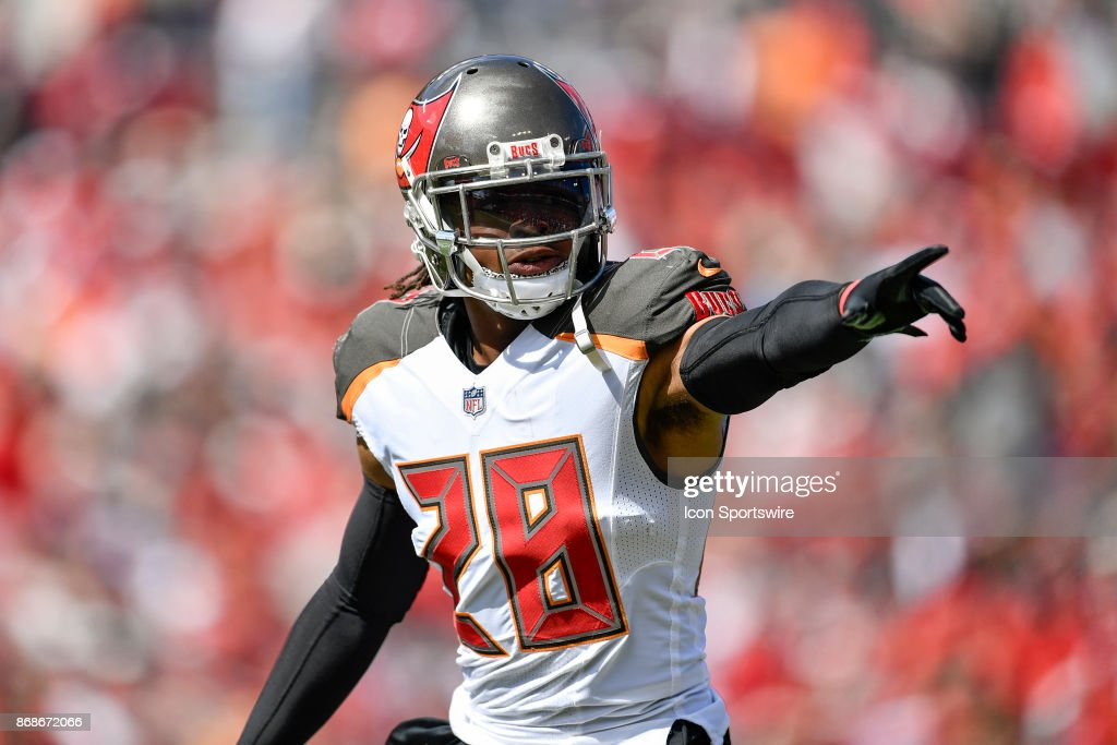 Tampa Bay Buccaneers cornerback Vernon Hargreaves III (28) during the first half of an NFL football game between the Carolina Panthers and the Tampa Bay Buccaneers on October 29, 2017, at Raymond James Stadium in Tampa, FL.