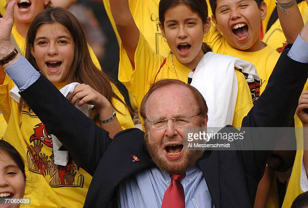 Tampa Bay Buccaneers owner Malcolm Glazer before play against the Chicago Bears November 27 2005 in Tampa The Bears defeated the Bucs 13 10