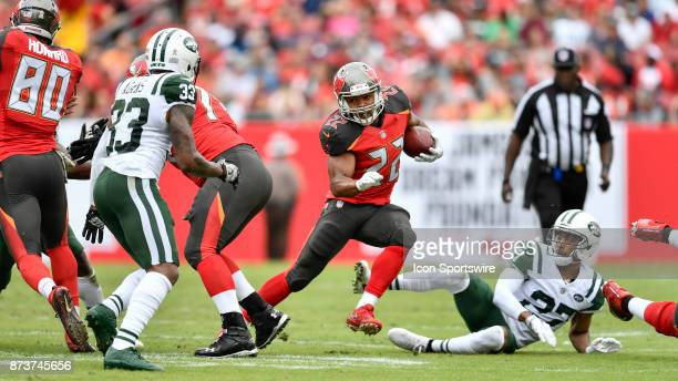 Tampa Bay Buccaneers running back Doug Martin looks to make a cut during the first half of an NFL game between the New York Jets and the Tampa Bay...