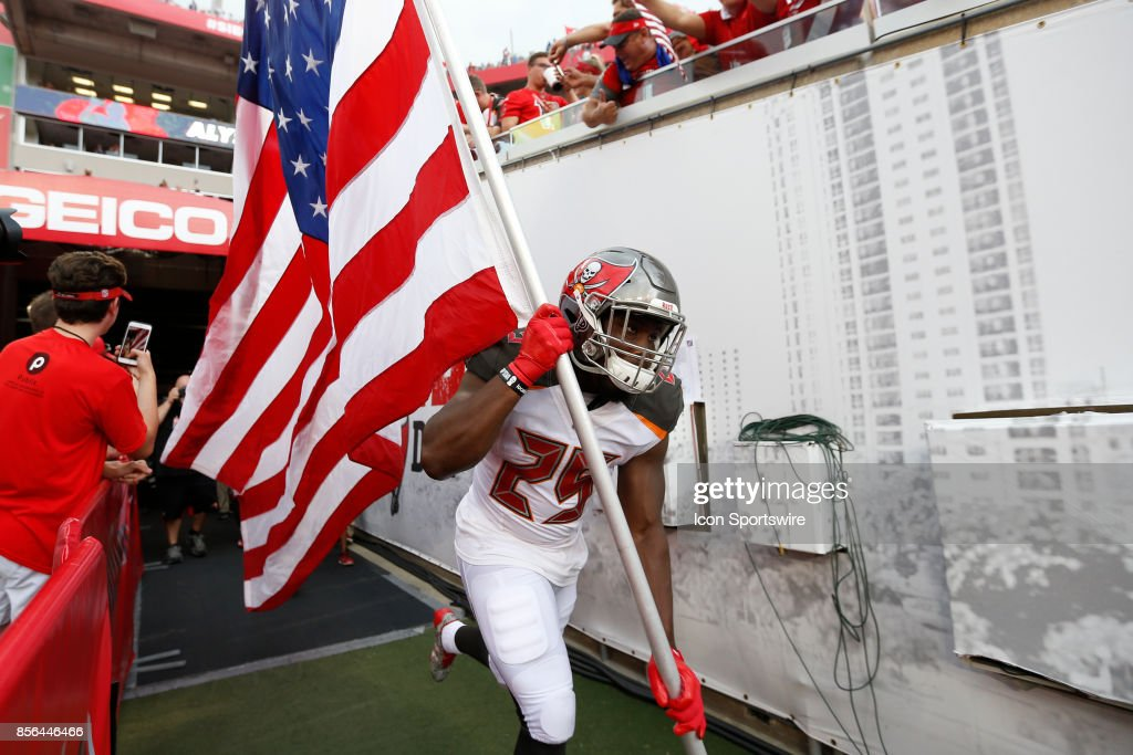 NFL: OCT 01 Giants at Buccaneers : News Photo