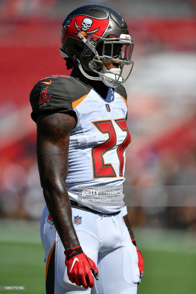 sports shoes 2f43a 7346a Tampa Bay Buccaneers running back Ronald Jones warms up ...