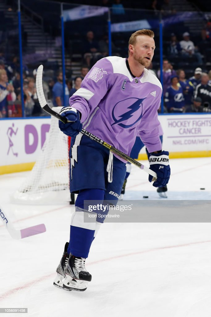 best authentic ad325 689d9 Tampa Bay Lightning center Steven Stamkos wears a