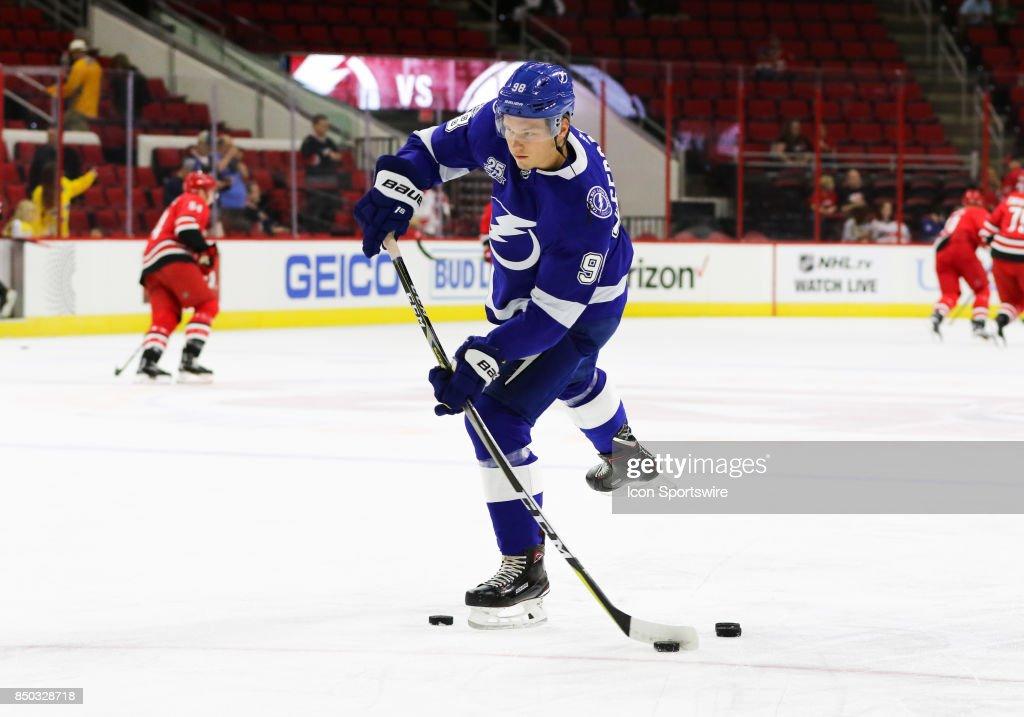 NHL: SEP 20 Preseason - Lightning at Hurricanes : News Photo