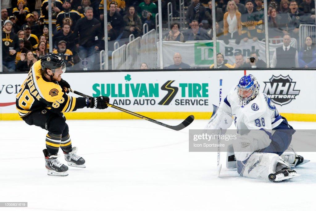 NHL: MAR 07 Lightning at Bruins : ニュース写真